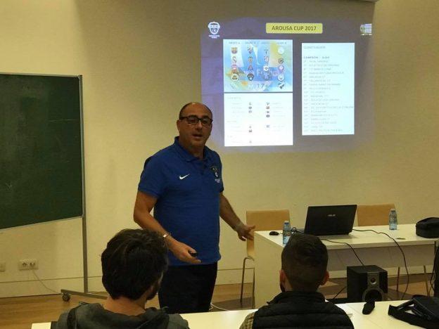 Toni Cortés impartiendo un Master sobre Recursos metodológicos